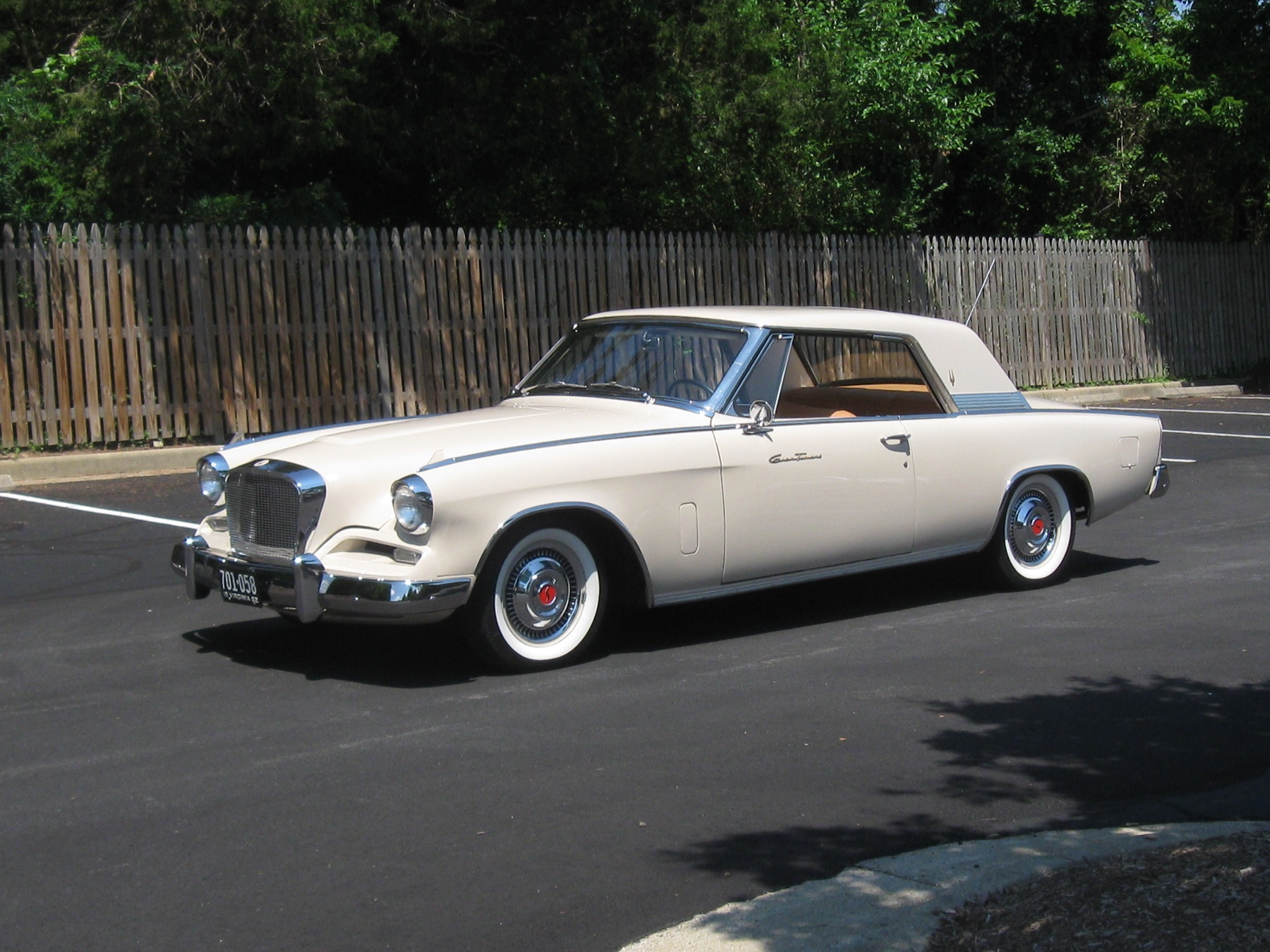 Desire for Unique Old Car: 1962 Studebaker GT Hawk - CarHub